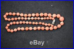 Jewelry040 estate coral necklace 21 inches long weight 29.7 grams