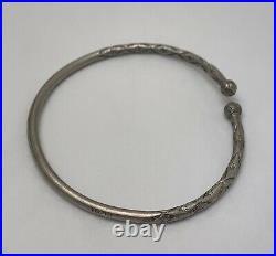 VINTAGE STERLING SILVER Stamped Etched SLAVE CUFF BRACELET b